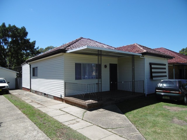 121 Centenary rd, South Wentworthville, NSW 2145
