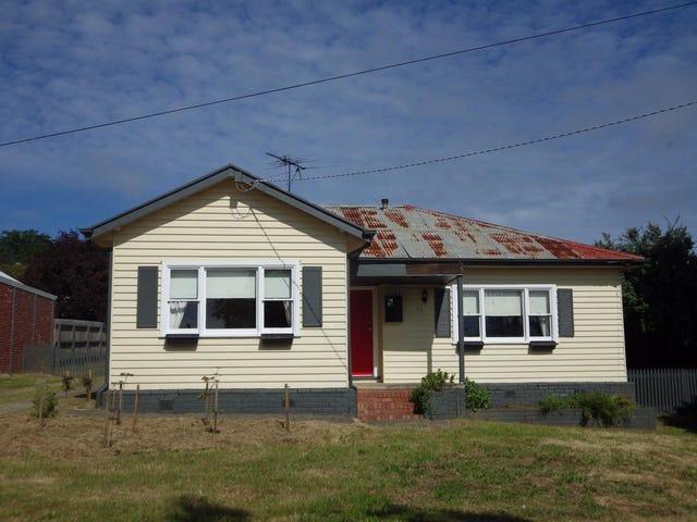 32 Goode Street, Gisborne, Vic 3437
