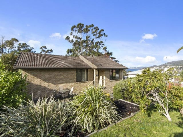 134 Roslyn Avenue, Blackmans Bay, Tas 7052