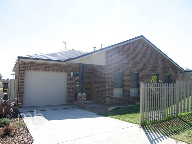 9A Whitney Place, Orange, NSW 2800