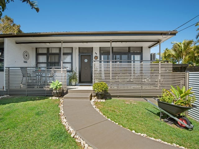 34  Victoria Avenue, Woody Point, Qld 4019