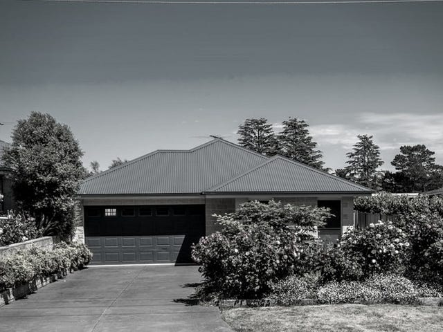 1/4 Turanga Road, Gisborne, Vic 3437