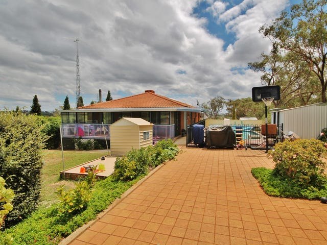 70 Jacksons Road, Young, NSW 2594