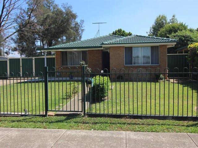77 Solander Dr, St Clair, NSW 2759