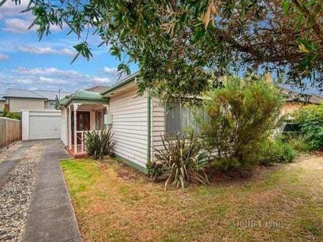 33 Watt Avenue, Oak Park, Vic 3046