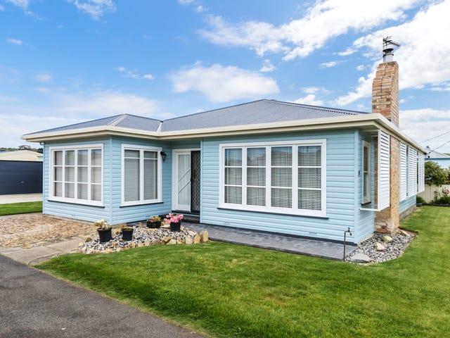 15 Lloyd, Ulverstone, Tas 7315