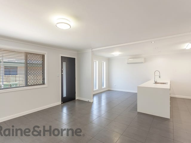 1/1 Raftery Street, Centenary Heights, Qld 4350