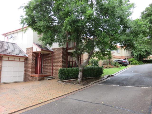 11 Scarborough Way, Cherrybrook, NSW 2126