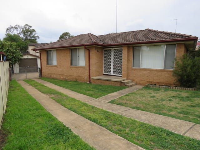 10 McCartney Crescent, St Clair, NSW 2759