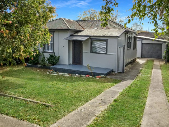 129 Lindesay Street, Campbelltown, NSW 2560