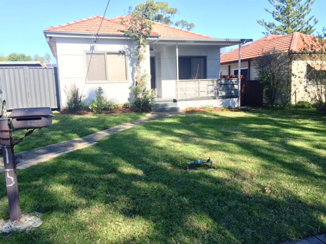 15 Bland St, Campbelltown, NSW 2560