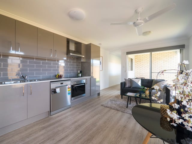 2/21 Brother Ted Magee Drive, Collingwood Park, Qld 4301