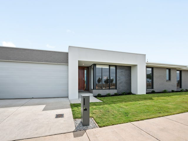 22 Marshall Road, Lucas, Vic 3350