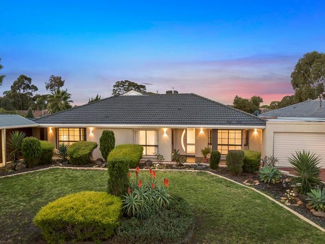 45 Angourie Crescent, Taylors Lakes, Vic 3038