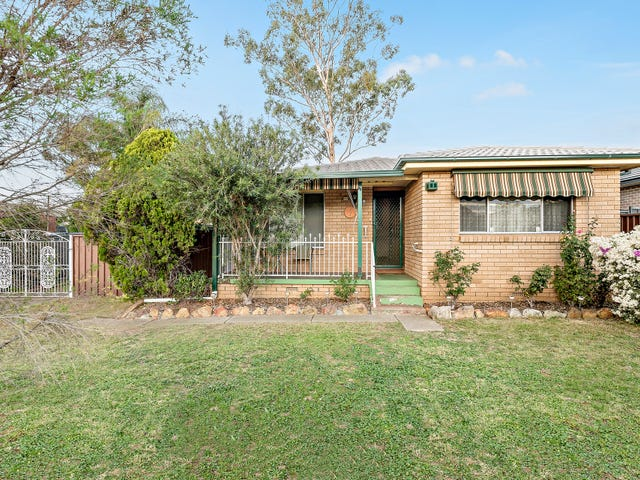 18 MacArthur Drive, St Clair, NSW 2759