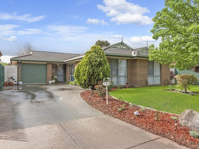 15 Fiona Place, Whittlesea, Vic 3757