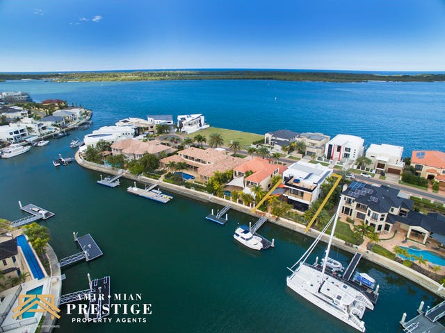 32 The Peninsula, Sovereign Islands, Qld 4216