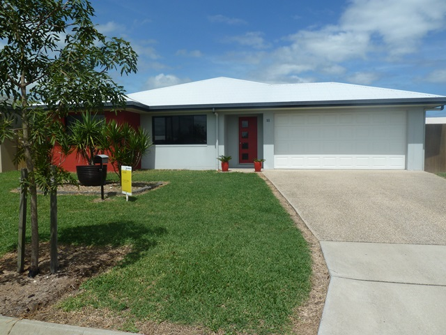 11 Clark Place, Marian, Qld 4753