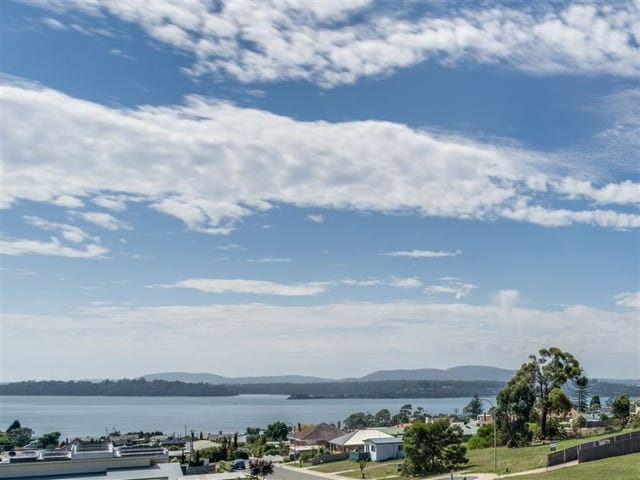 16 Ross Street, Beauty Point, Tas 7270