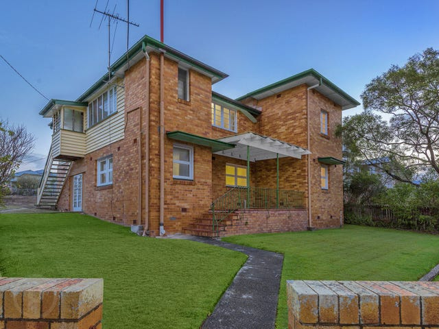 2/11 Bovelles Street, Camp Hill, Qld 4152
