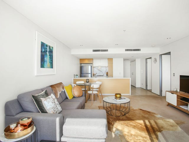2056/2 The Esplanade, Burleigh Heads, Qld 4220