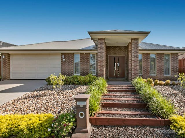 19 Armstrong Street, Cranbourne East, Vic 3977