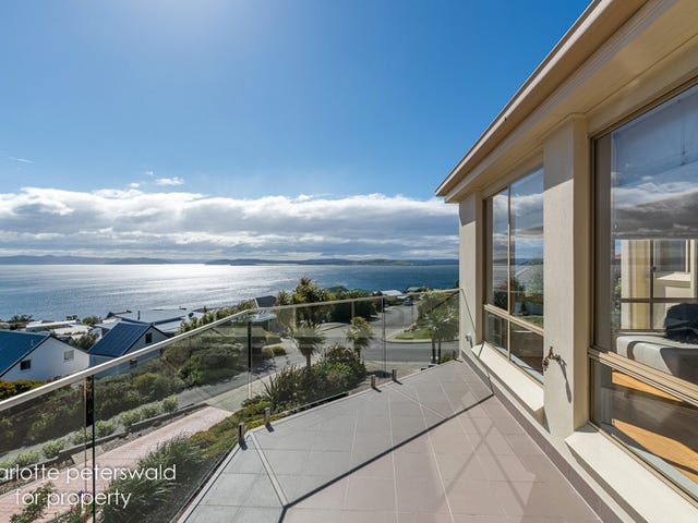35 Tahune Crescent, Blackmans Bay, Tas 7052
