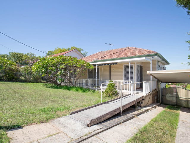 27 Colonial St, Campbelltown, NSW 2560