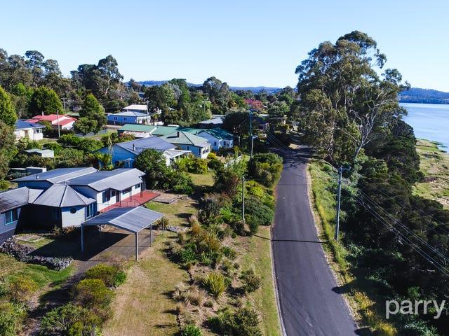 11 Beach Road, Gravelly Beach, Tas 7276