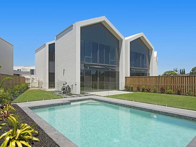 real estate  property for sale in palm beach, qld  page, Beach House/
