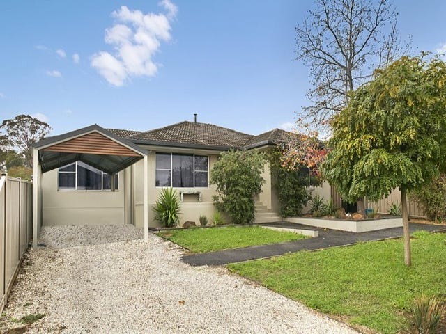 203 Neale Street, Flora Hill, Vic 3550