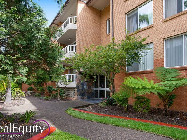 13/2 Mead Drive, Chipping Norton, NSW 2170