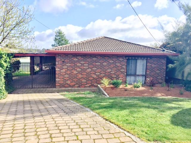 9 Mayo Court, Golden Square, Vic 3555