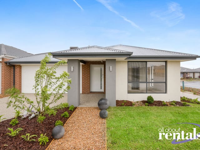 63 Blackhazel Crescent, Clyde North, Vic 3978