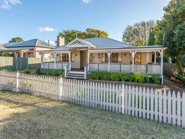 13 Haig Street, South Toowoomba, Qld 4350