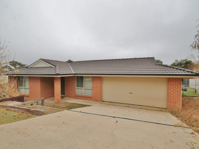 24 Henry Place, Young, NSW 2594