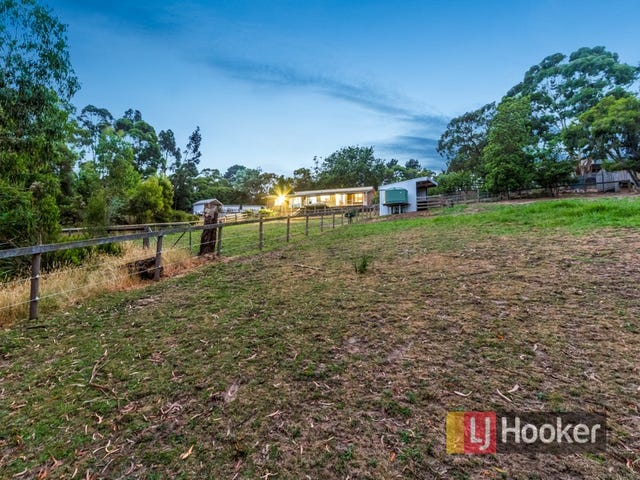 237 Bourkes Creek Road, Pakenham Upper, Vic 3810