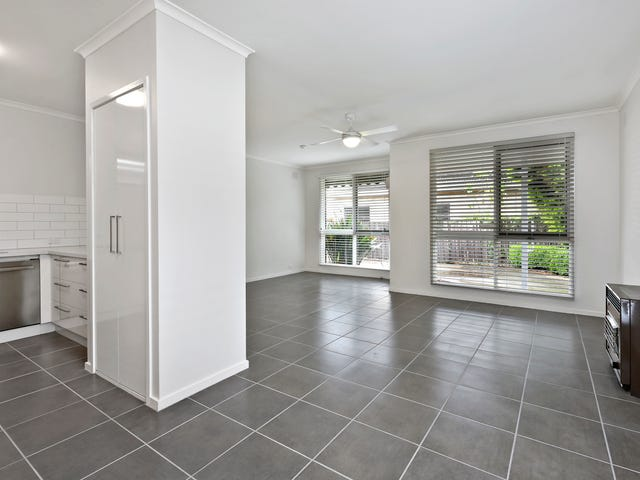 3/25 Boundary Road, Newcomb, Vic 3219