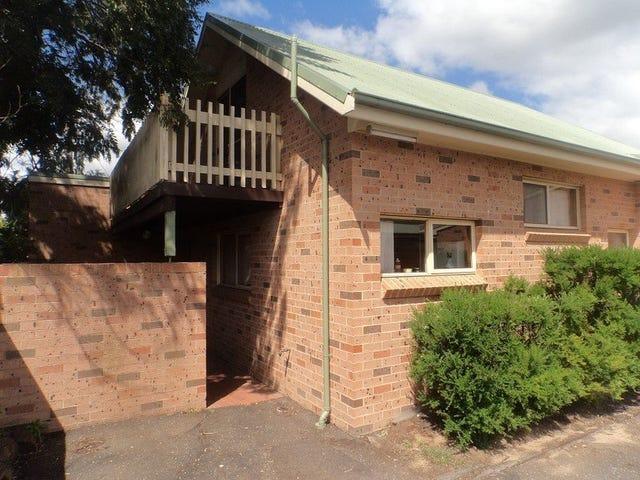 1/5 Fenwick Crescent, Goulburn, NSW 2580