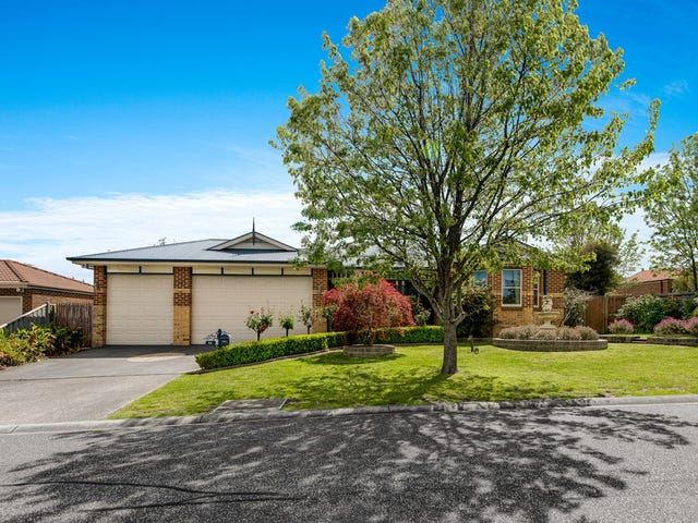 10 Whisken Way, Berwick, Vic 3806