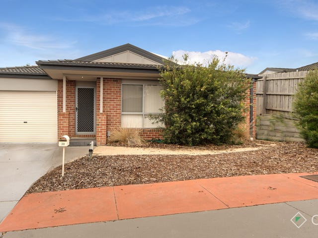 30/11 Hawk Avenue, Pakenham, Vic 3810