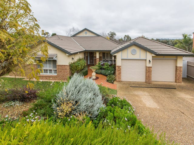 5 Lakehaven Drive, Lake Albert, NSW 2650