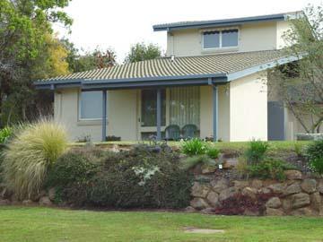 1/701 Nalanda Court, Albury, NSW 2640