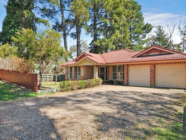 64 Fourth Avenue, Katoomba, NSW 2780