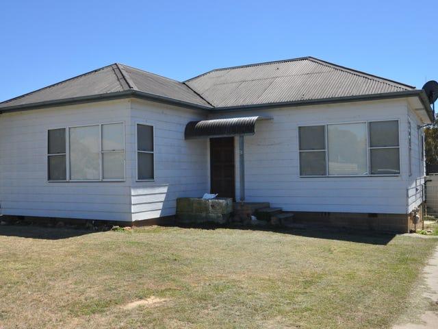 9 Gray Avenue, Goulburn, NSW 2580