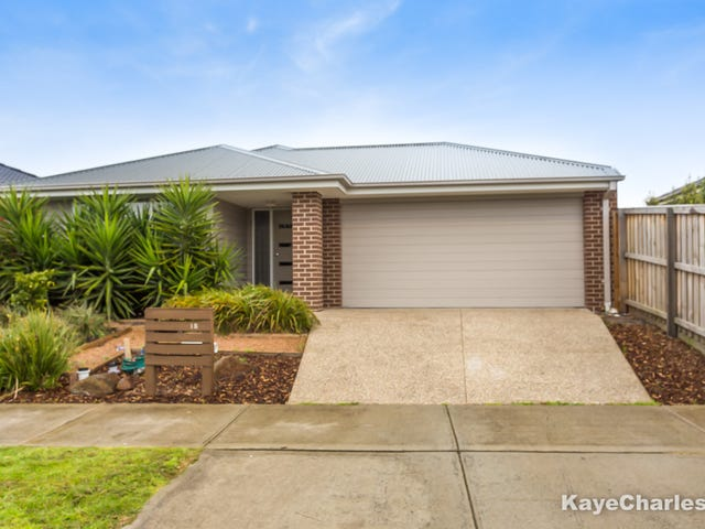 15 ORCHID STREET, Officer, Vic 3809