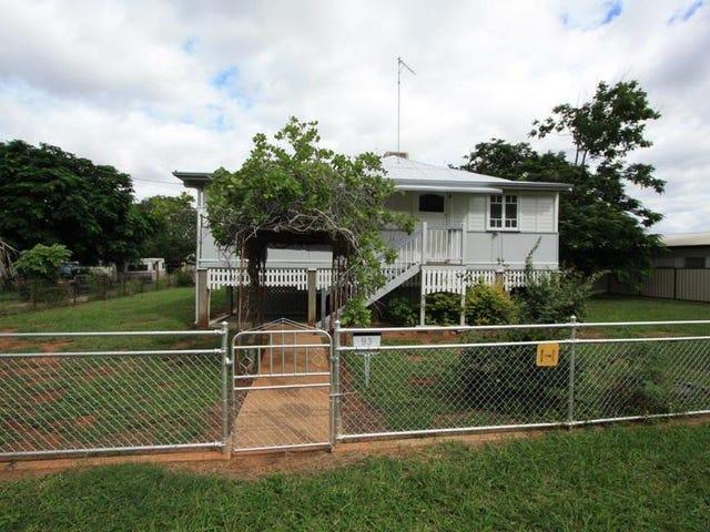 93 Hackett Terrace, Richmond Hill, Qld 4820