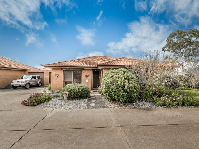 1/15 Toolern Street, Melton South, Vic 3338