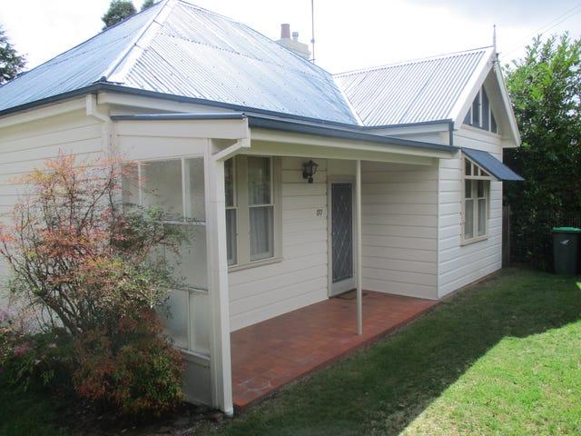 37 Freelander Avenue, Katoomba, NSW 2780