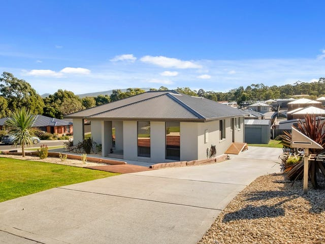 16 Lomandra Drive, Blackmans Bay, Tas 7052